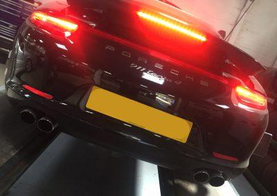 Porsche 911 Targa 4 at STR